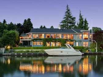 Home Exterior: Northwest Contemporary Waterfront in Bellevue, Wash.