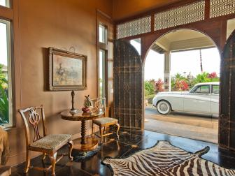 Grand Entryway in Hawaiian Home
