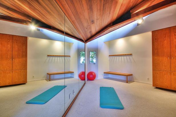 Exercise Room: Clifftop Mansion in Santa Barbara, Calif.