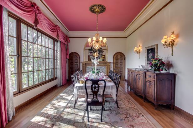 Dining Room: Historic Craigmuir Castle in Wenatchee, Wash.