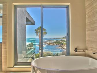 Bathroom View: Magnificent Modern Home in Cape Town, South Africa