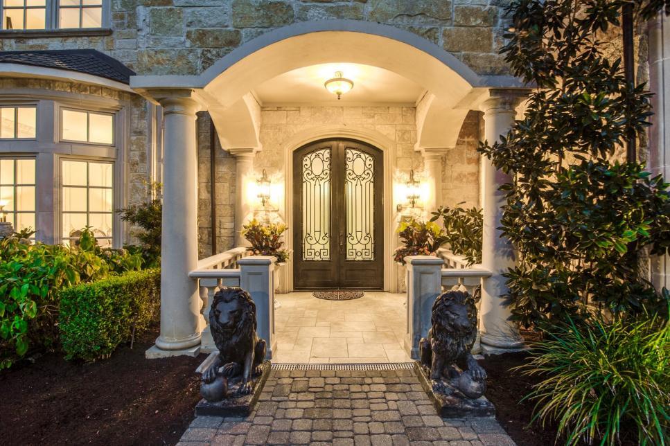 Tour A Mediterranean Inspired Villa In Dallas Hgtv Com S