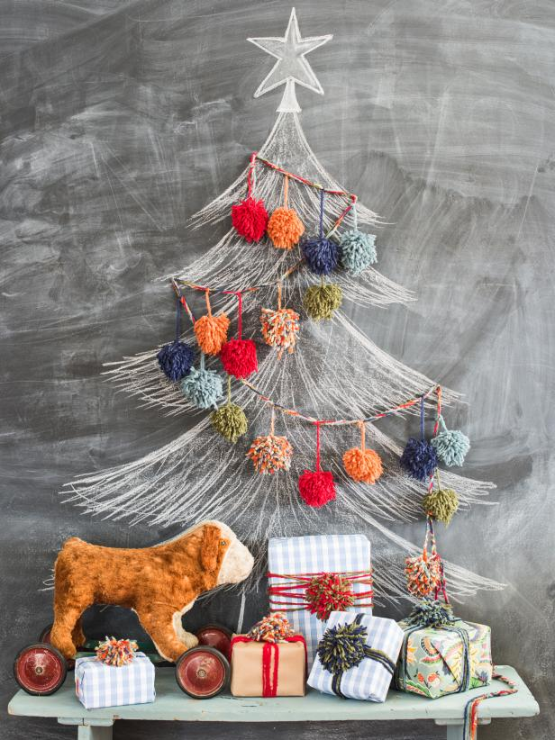 Kid's Craft-Colorful Pom-Pom Garland