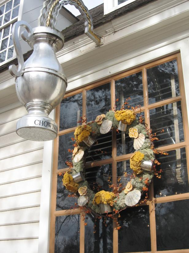 Chowning's Tavern Wreath