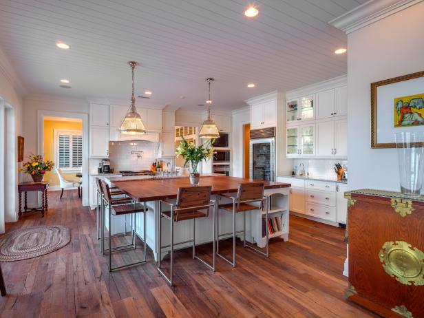 Tropical White Kitchen Is Bright, Spacious