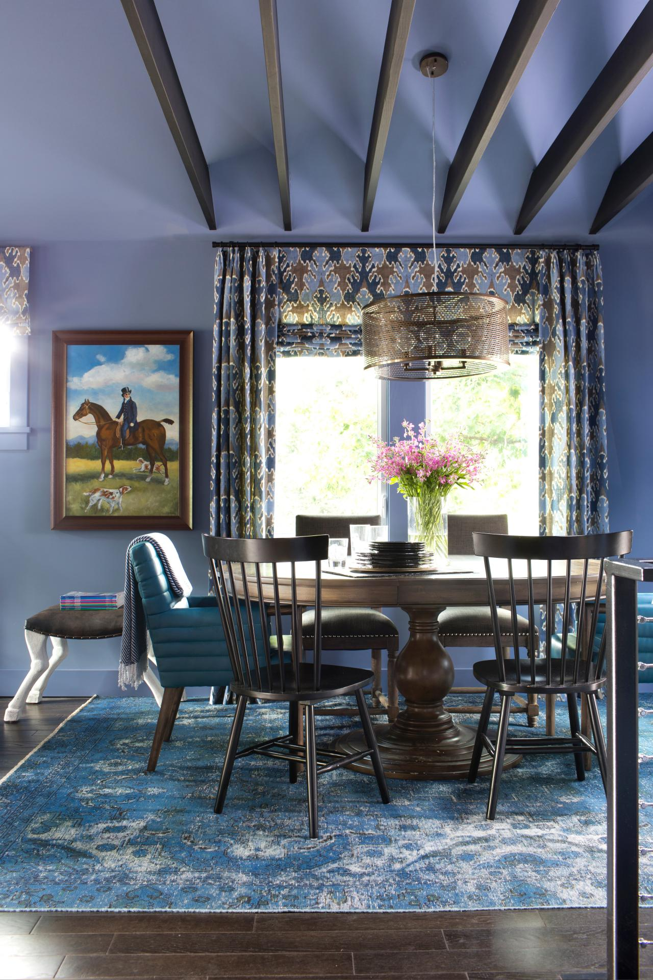 15 dining room color ideas for fall hgtv 39 s decorating - How to decorate a dining room ...