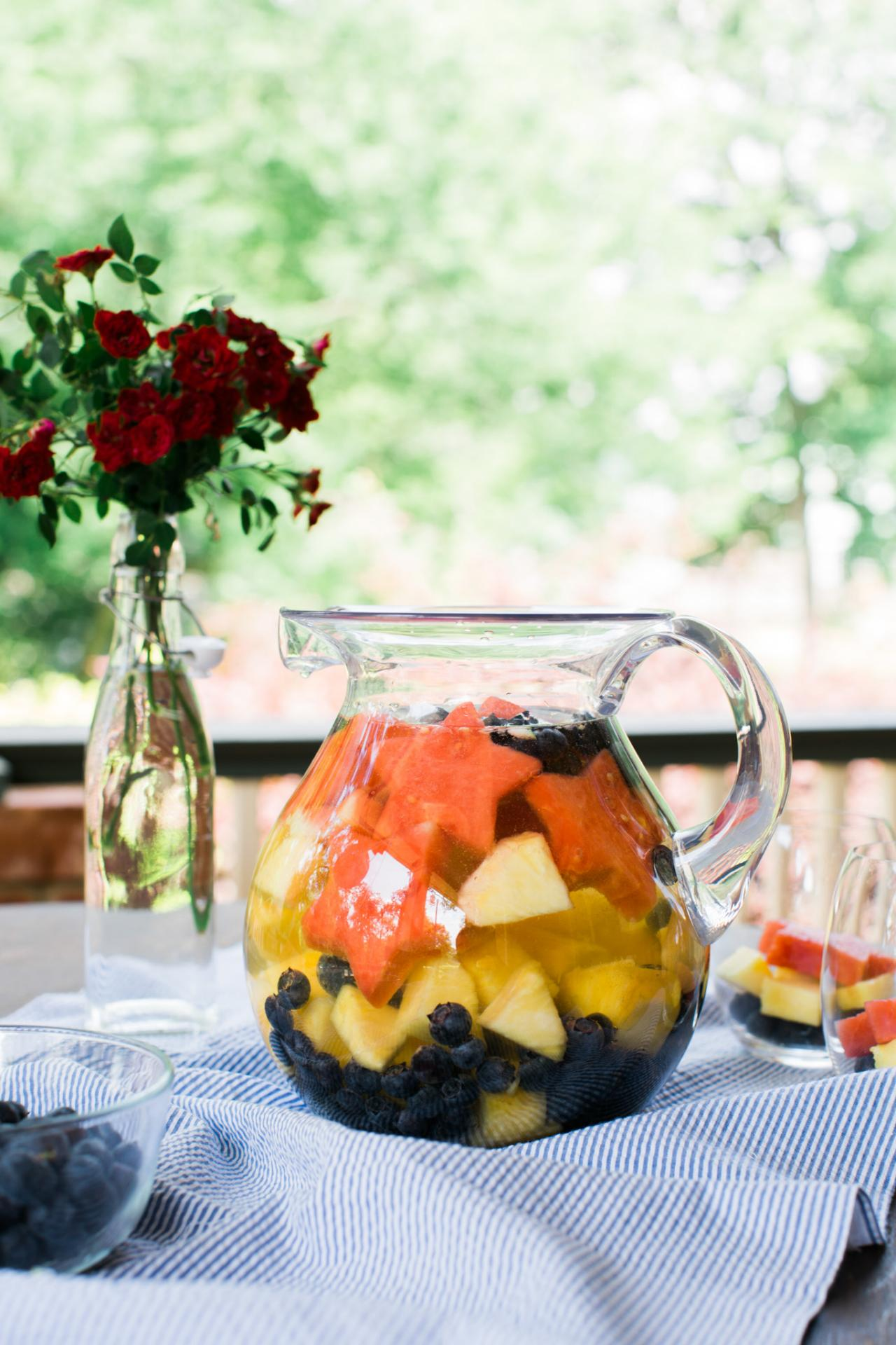 red white and blue sangria recipe 10 tips for easy entertaining hgtv. Black Bedroom Furniture Sets. Home Design Ideas