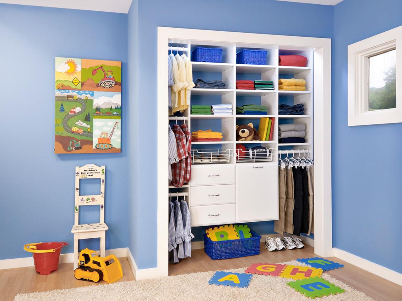 Well planned closet sometimes divide and conquer is the for Kids room closet ideas