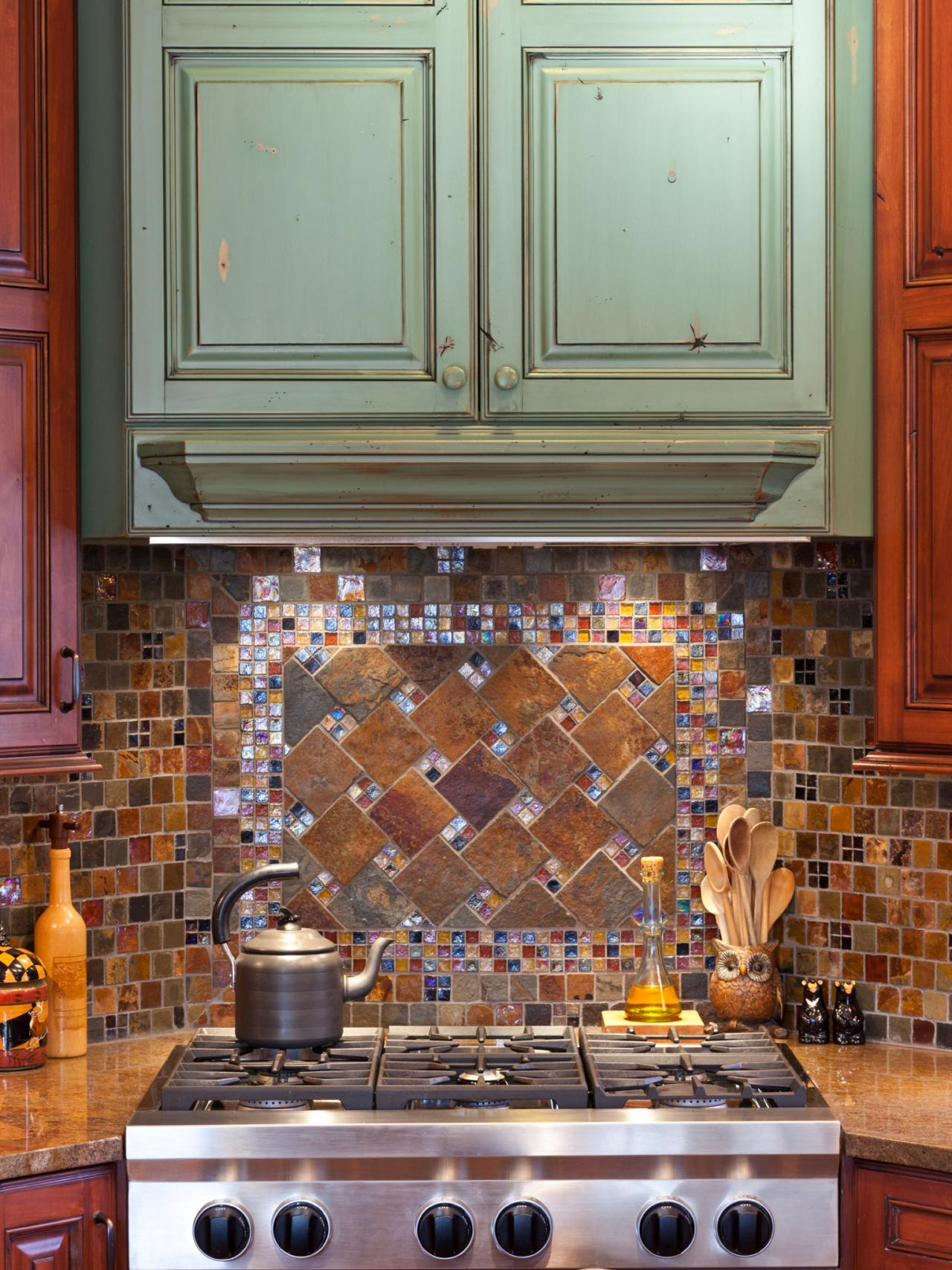 Mosaic tiles kitchen backsplash