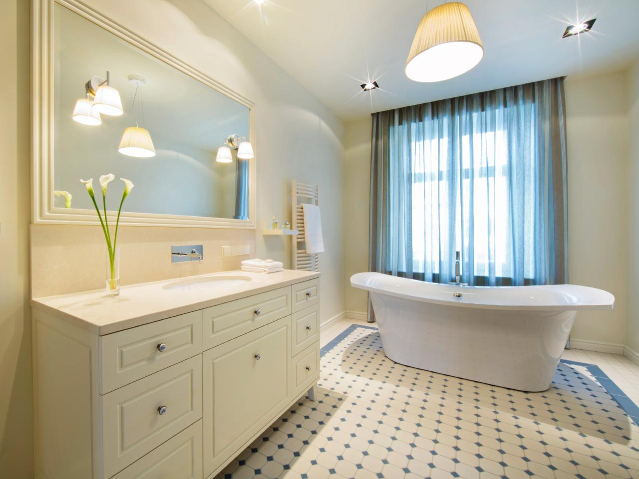Arts and crafts bathrooms hgtv for Badideen 2015