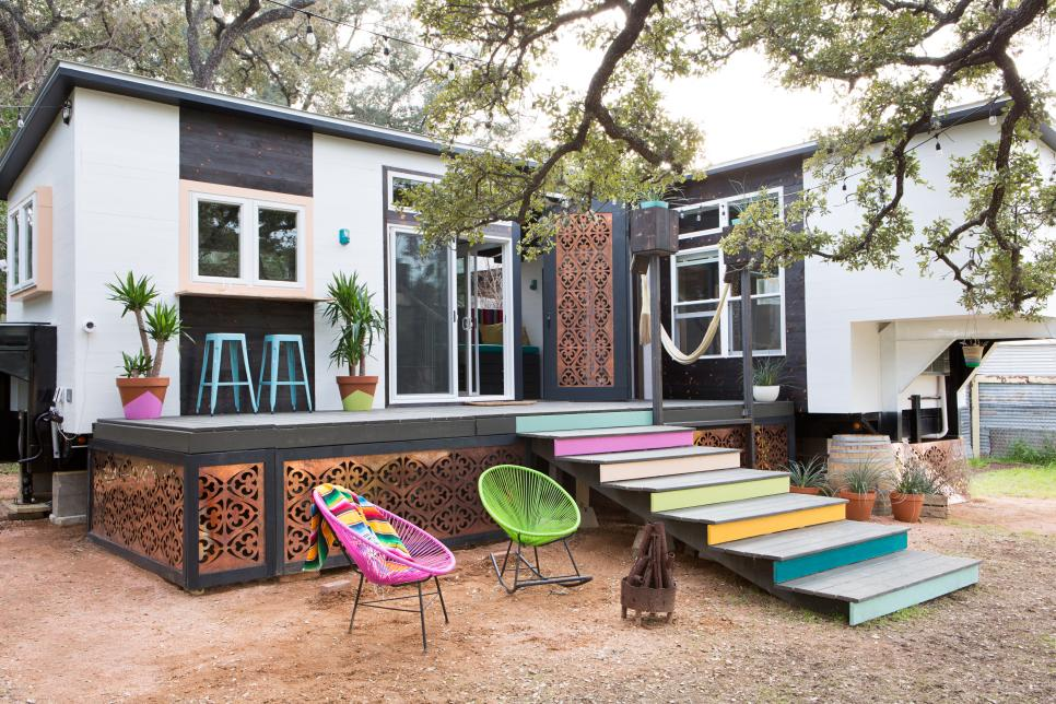tiny eclectic texas home features mix of colors and styles 2015 fresh faces of design awards hgtv - Texas Home Design
