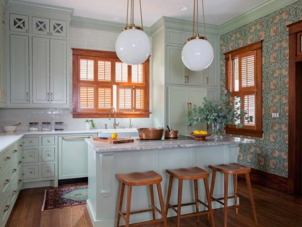 1900 Cottage-Style Kitchen with Wood Trim and Accent Wall