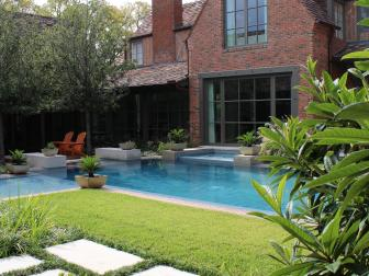 Sleek Pool and Courtyard Garden
