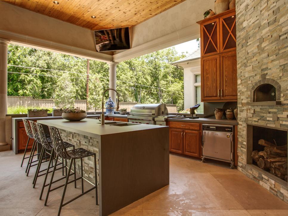 outdoor kitchens and bars hgtv. Black Bedroom Furniture Sets. Home Design Ideas