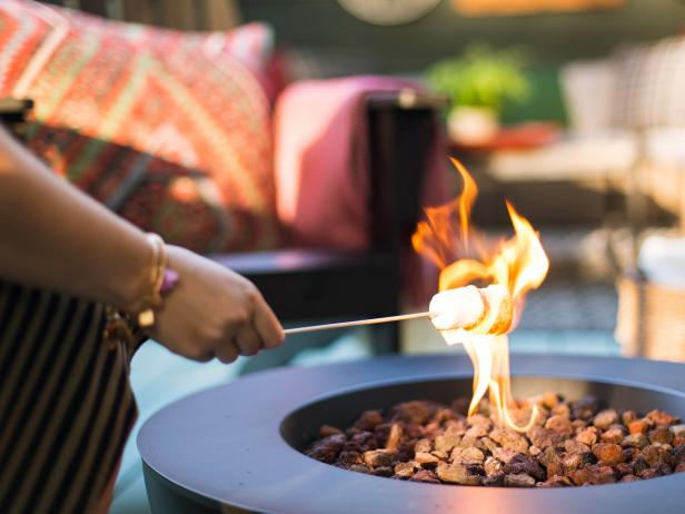 Fire Pit Makes It Easy to Host a Cozy Fall Gathering