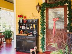 Classic Country Holiday Decorating Ideas for Your Front Porch