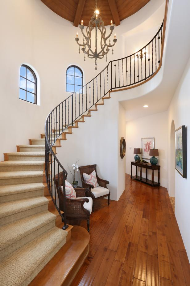 Photo page hgtv for Arched staircase