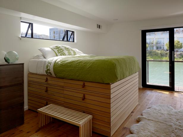 Floating House: Master Bedroom