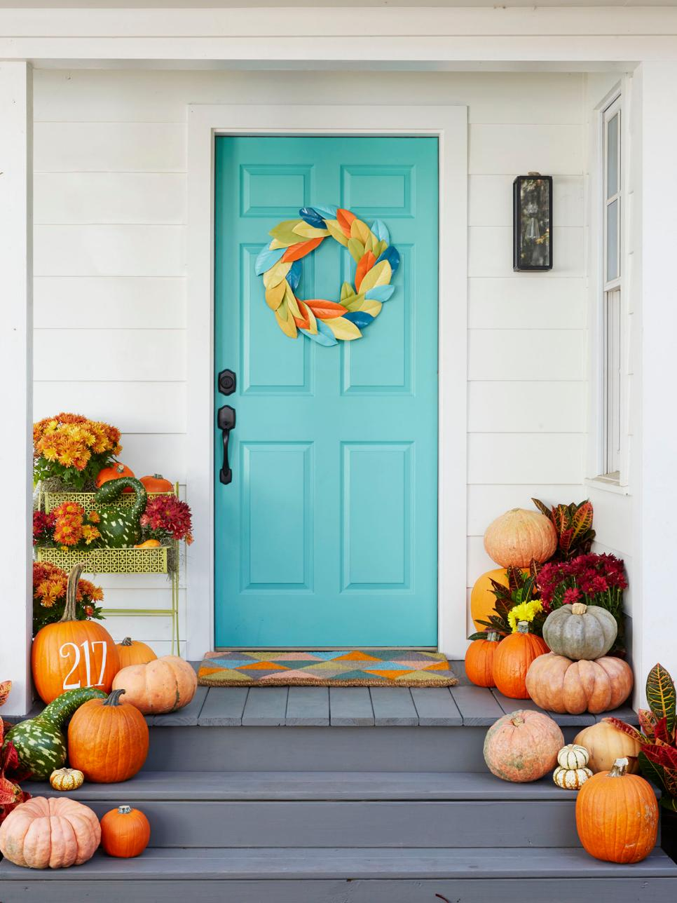 Our favorite fall decorating ideas hgtv How to decorate your house for thanksgiving