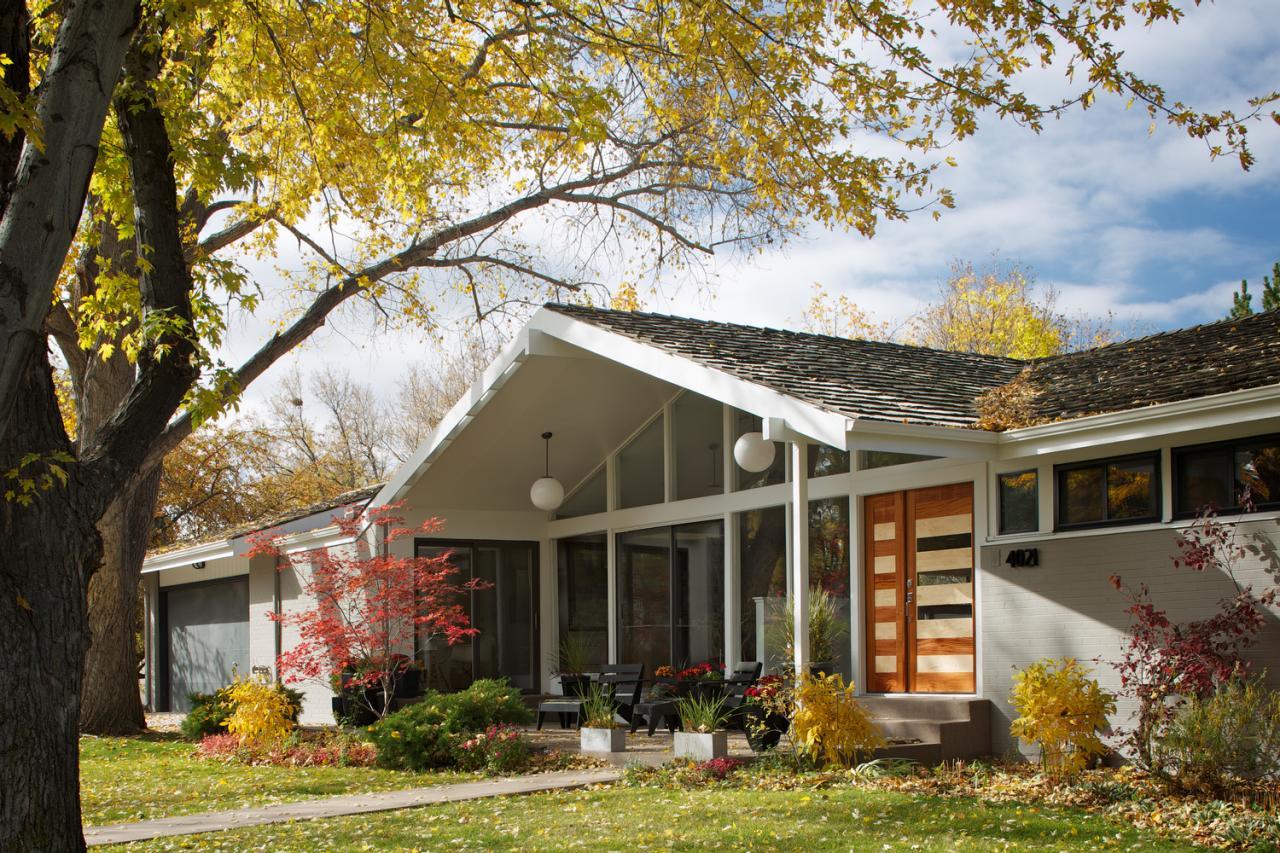 midcentury modern outdoor space photos hgtv beautiful mid century modern exterior lighting