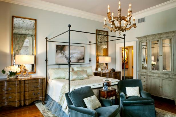 Master Bedroom: Four-Poster Bed