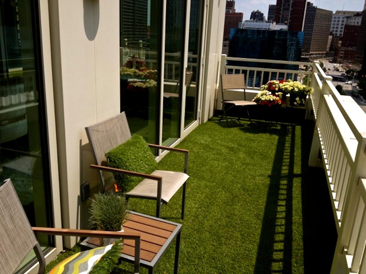 Home Slice Artificial Grass Warms A Small Patio Hgtv