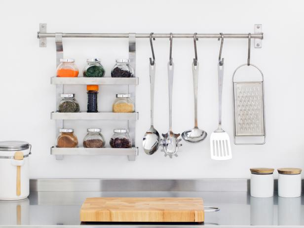Organized Modern Kitchen