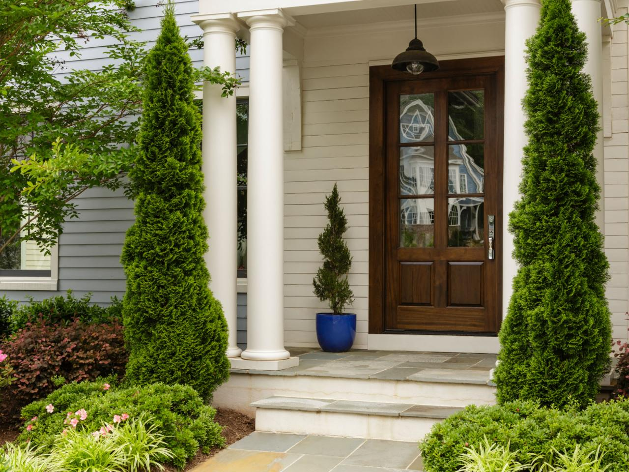 The most popular front door styles and designs diy for Most popular house styles