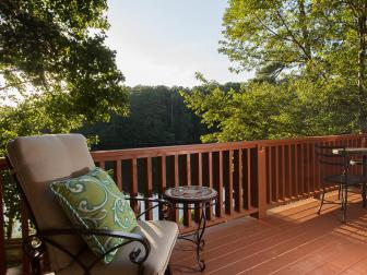 A Composite Deck with Nature Sightlines