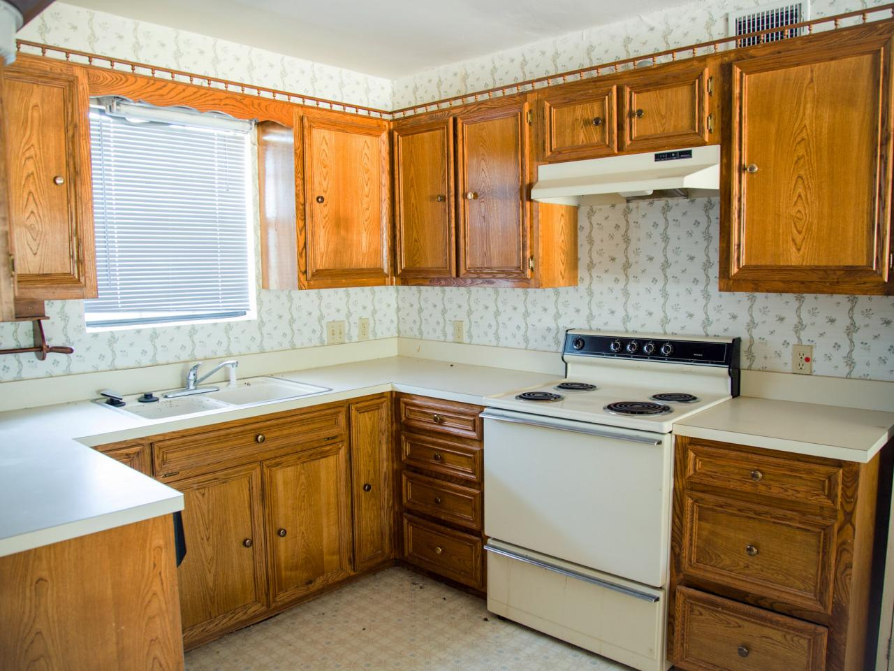 Before and After Kitchen Photos From HGTV\'s Fixer Upper | HGTV\'s ...