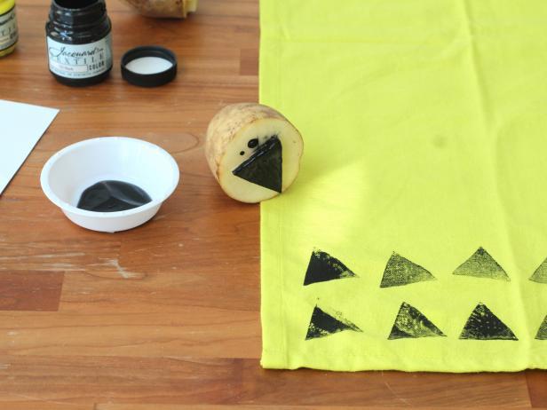Potato-Stamped Kitchen Towels: Stamp Towels