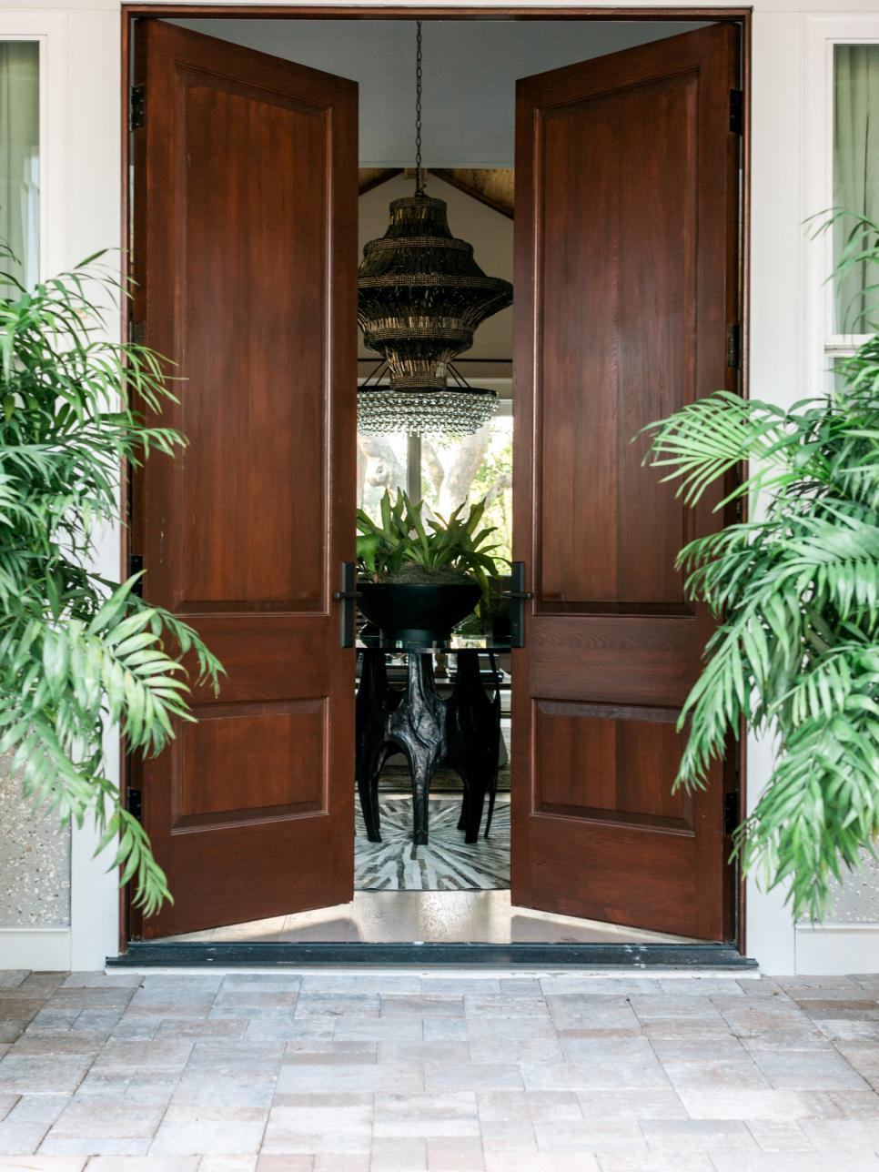 Hgtv dream home 2017 front yard pictures hgtv dream for Latest door design 2016