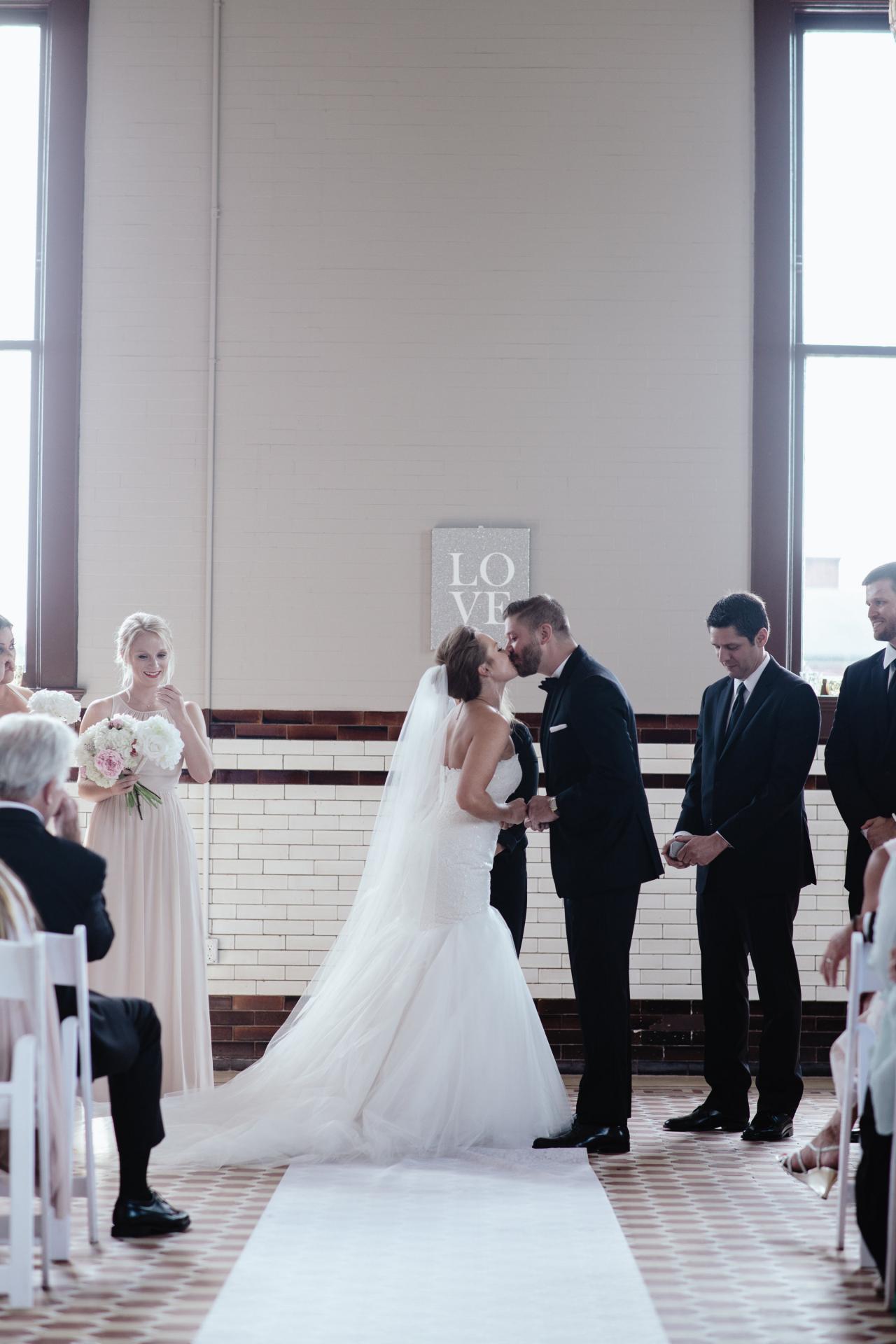 Photos from mina starsiak s summer wedding hgtv 39 s decorating design blog hgtv - Decorating shows ...