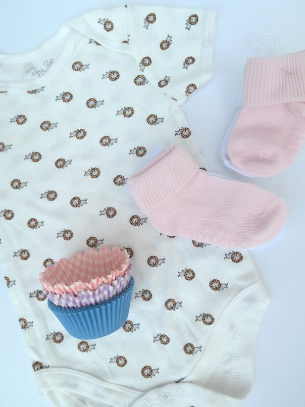 How to Make Onesie Cupcakes