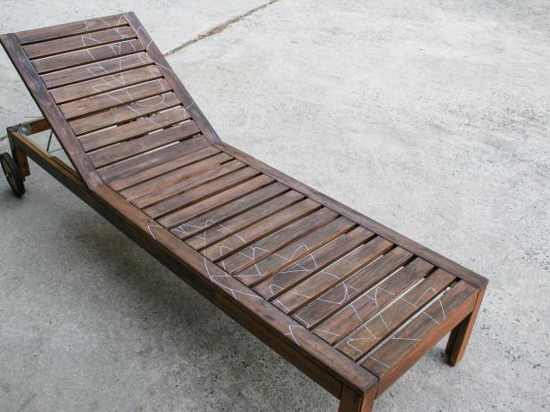 Outdoor Wood Chaise Longue Makeover: Trace Leaves On Furniture