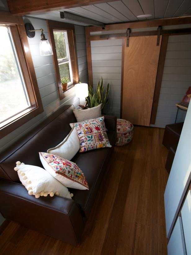 Small Living Rooms Decorating Hgtv: 9 Ways To Live Luxuriously In A Tiny Home