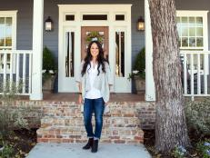 A daring newlywed couple called on renovation miracle workers Chip and Joanna Gaines to completely transform this home.
