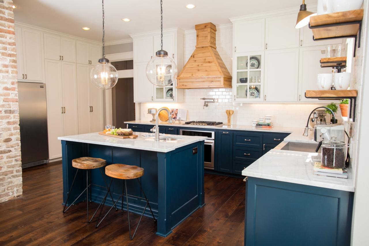 Design tips from joanna gaines craftsman style with a for Kitchen ideas joanna gaines