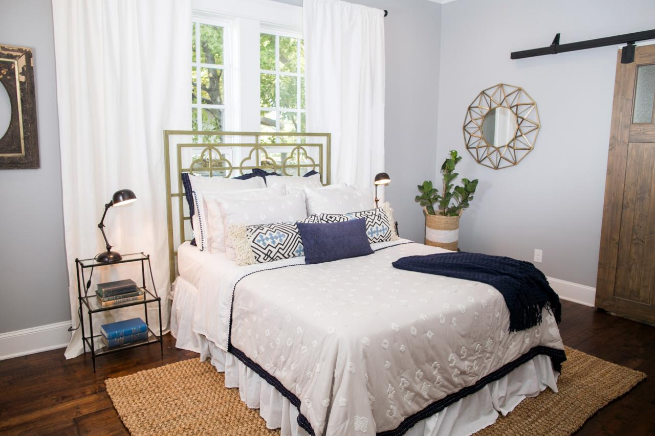 Design tips from joanna gaines craftsman style with a for Joanna gaines bedroom ideas
