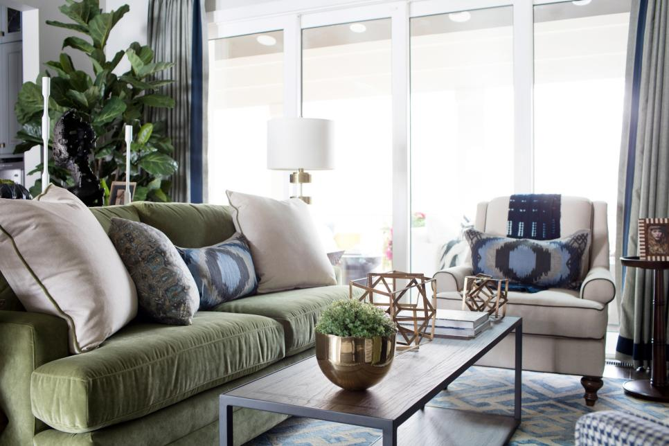 Pictures Of The HGTV Smart Home 2016 Living Room