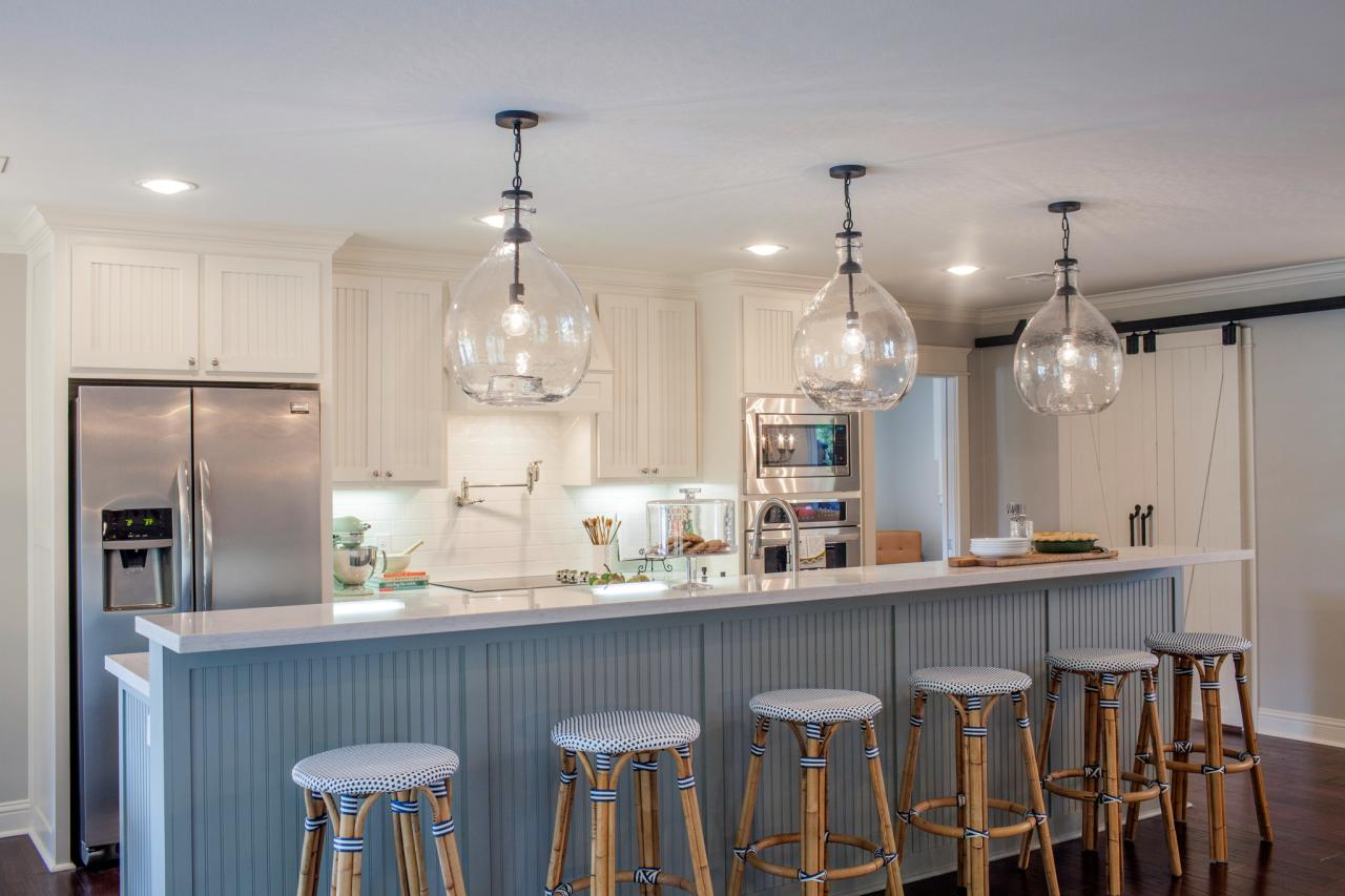 Fixer upper kitchen pendants - Before And After Kitchen Photos From Hgtv S Fixer Upper Hgtv S Decorating Design Blog Hgtv