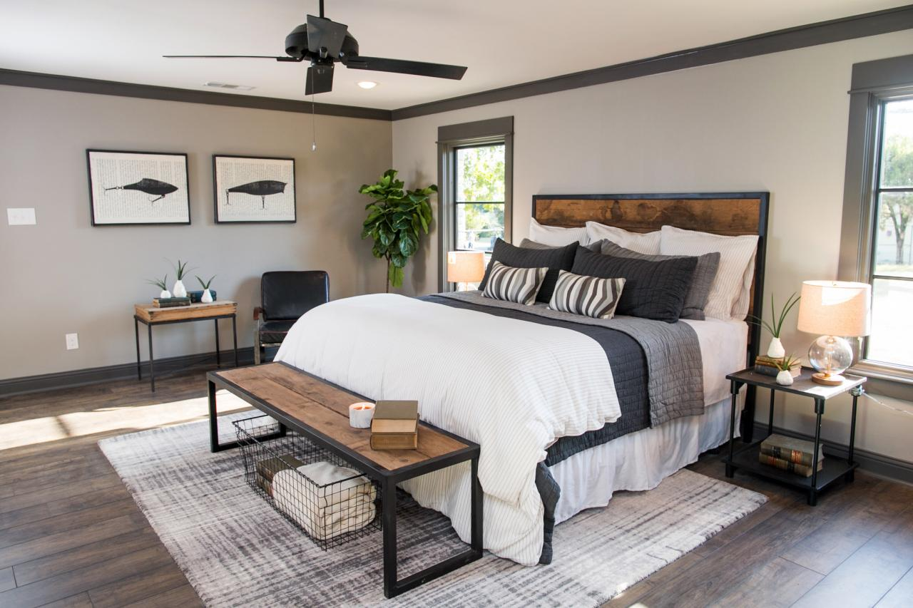 Fixer upper design tips a waco bachelor pad reno hgtv 39 s decorating design blog hgtv Fixer upper master bedroom pictures