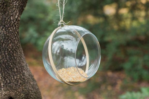 DIY Upcycled Bird Feeder