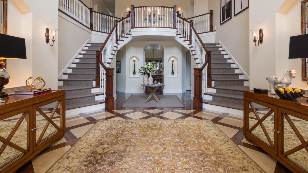 Traditional Foyer Photos : Traditional foyer photos hgtv