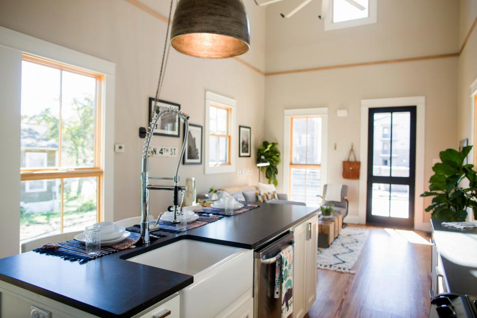 Fixer Upper Takes On A Vintage Tiny House Hgtv S Fixer