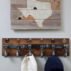 Rustic Hat Rack With Texas Wall Art