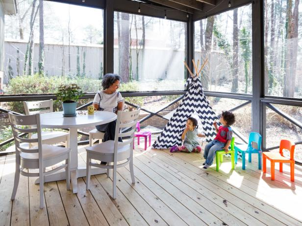 Family-Friendly Screened Deck on Wooded Property