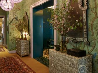 Green Asian-Style Hallway Encourages Peace, Tranquility
