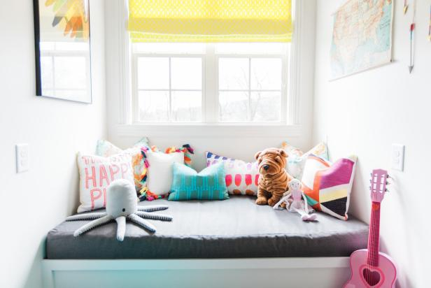 Play Room Window Seat With Stuffed Animals