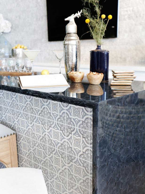 Modern Mediterranean Style Bar